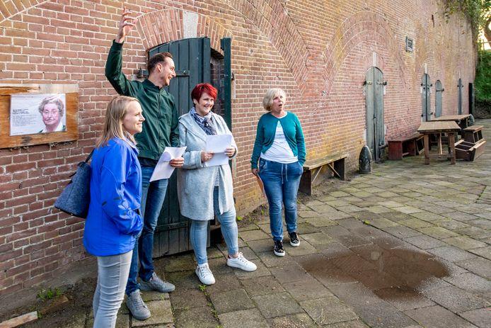 Eerste repetitie 'De Canon van Sabina' op Fort Sabina (Foto vlnr: Coby Pijpers, Thijs van den Berge, Petra Hoving, Diana van Trigt)