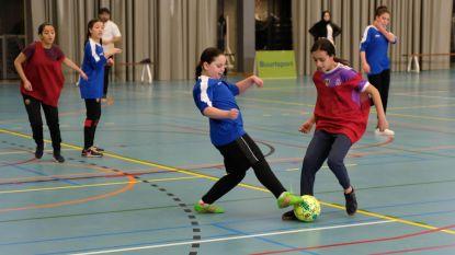 Zaalvoetbal voor goed doel