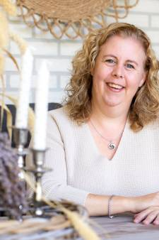 Trouwambtenaar beleeft door coronabeperkingen rustige tijden in Enschede