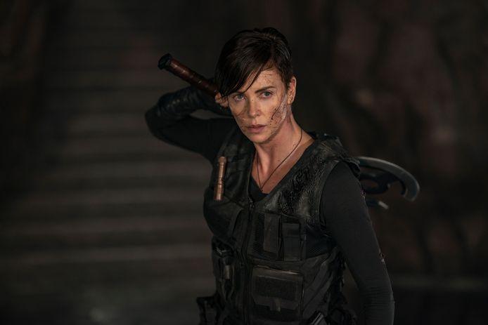 """Charlize Theron dans une scène de """"The Old Guard"""" sur Netflix vendredi."""