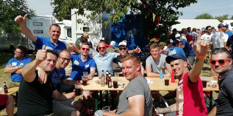 Sfeerbeelden vanuit Forza Lampaertland, een fandorp in Drongen bij het BK wielrennen.