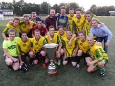 Dorp Oost/West winnaar wijkvoetbaltoernooi in Geesteren