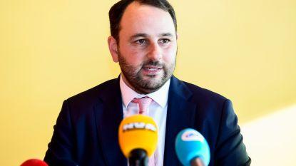 """Michael Freilich (N-VA) reageert op minuut stilte in Aalsterse gemeenteraad: """"Ik bedank de burgemeester"""""""