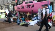 Klimaatprotest in Londen gaat vierde dag in, al bijna 400 betogers opgepakt