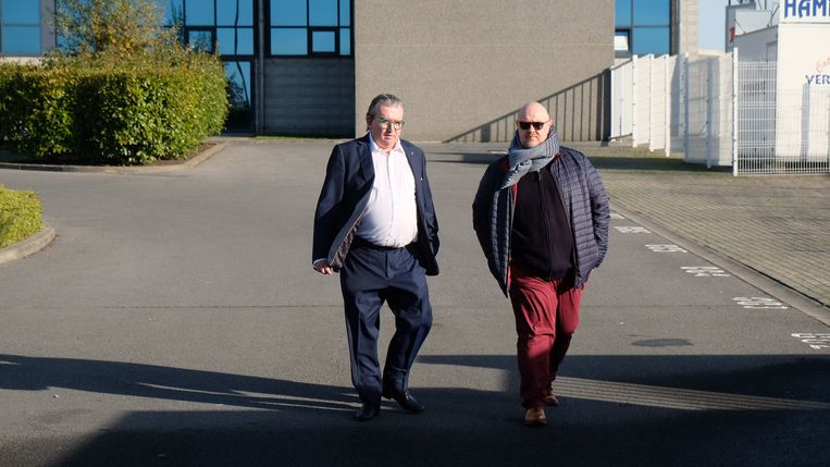Links: de voorzitter van Moeskroen, Patrick De Clerck.
