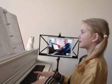 Pianoles via de iPad: ook CKB verzint creatieve oplossingen