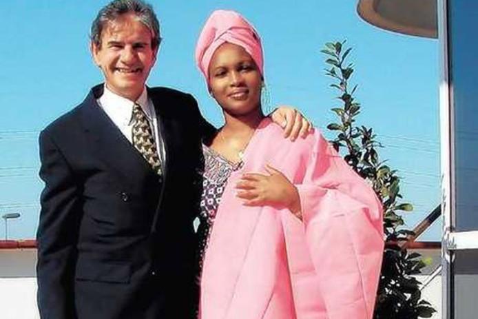 Tob Cohen en zijn vrouw Sarah Wairimu.