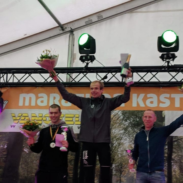 Erwin Harmes op het hoogste podium.