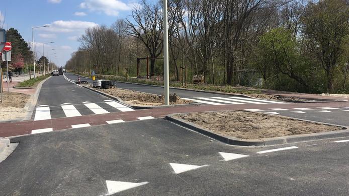 De route tussen Kijkduin en Houtrust is aangepakt. Hier de Sportlaan.