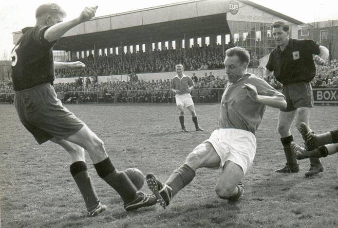 Piet Bruijninckx in actie op het veld van De Luiten.