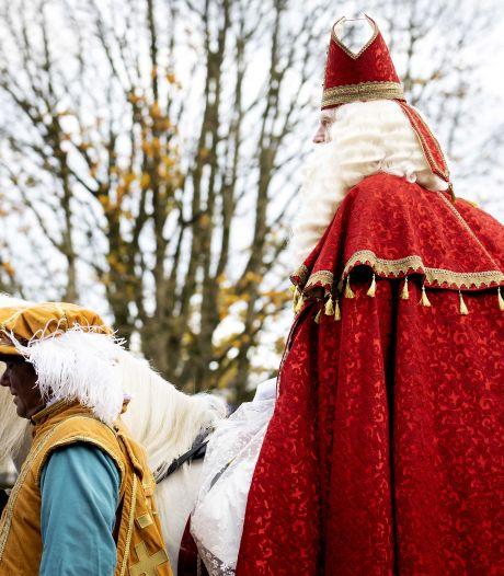 Sint maakt tóch een rondje door Wezep: 'Maar alléén zwaaien vanuit de tuin'