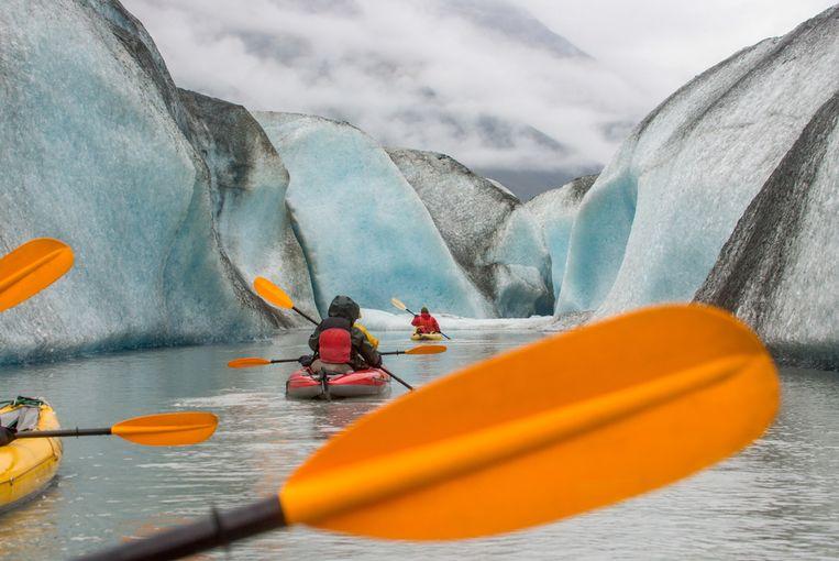 Een kanotocht op Valdez Glacier Lake.