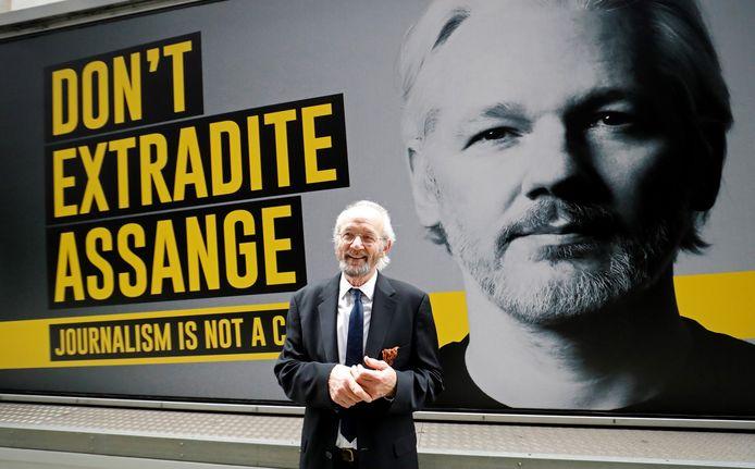 John Shipton, de vader van Julian Assange.