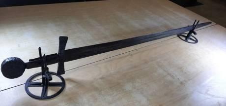 Une imposante épée vieille de 900 ans découverte aux Pays-Bas