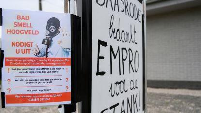 Buurtbewoners starten zwarte vlaggen-actie en petitie tegen geurhinder Empro