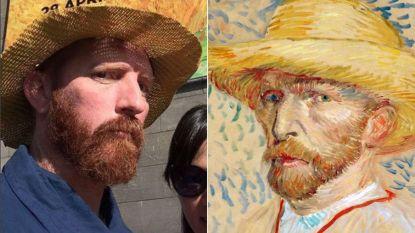 Iedereen wil een selfie met deze Van Gogh-lookalike