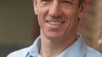 Filip Meirhaeghe verkoopt koerskledij voor 'Give us a break'