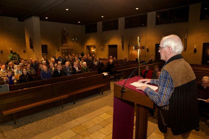 Henk Woertman houdt in 2015 een emotionele toespraak waarin hij zich verzet tegen sluiting van de Pauluskerk, waar hij sinds 1963 actief voor is.