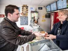 'Vegapolitie' GroenLinks checkt snackbars: 'Steeds meer vega-opties'
