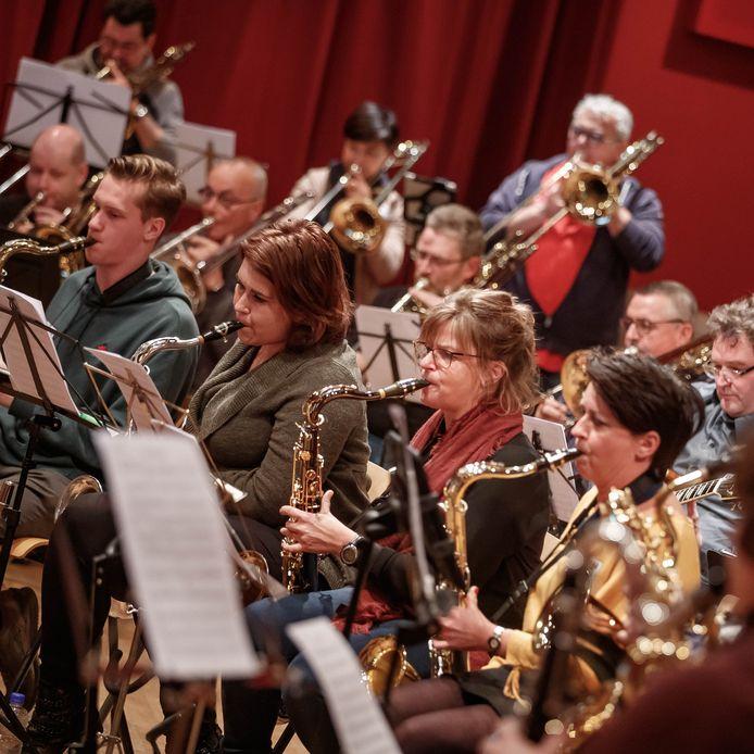 Valley Sound Big Band gaf een workshop voor muzikanten die noten kunnen lezen en spelen. Aan het eind van de dag is een eindconcert met de VSBB voor familie en vrienden gegeven.  Foto: Pix4Profs/Marcel Otterspeer