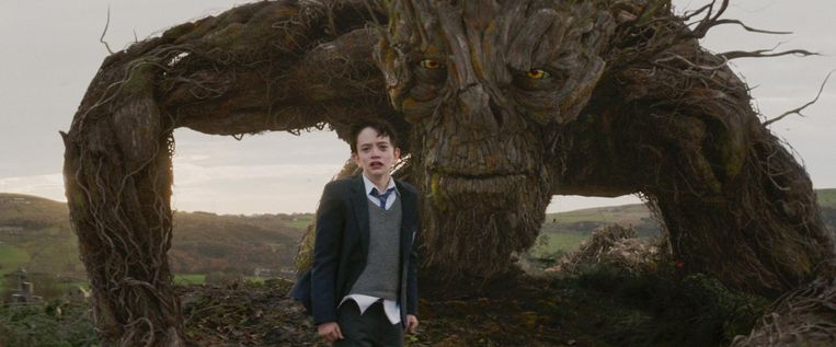 Lewis MacDougall in 'A Monster Calls'. Beeld