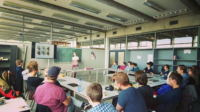 De studenten werken afwisselend in Arnhem en Antwerpen aan hun performance.