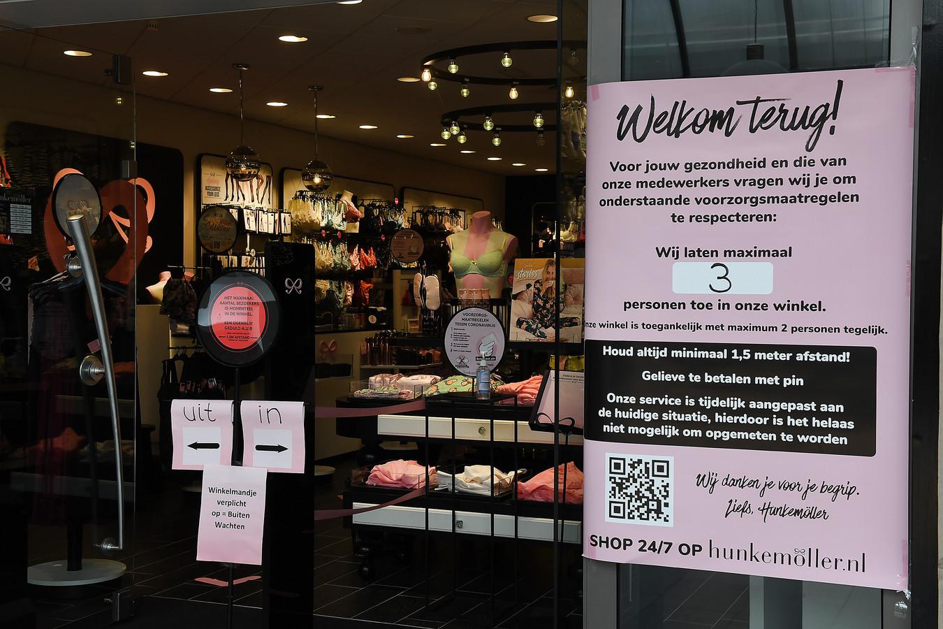 1,5 meter afstand houden, ook in deze winkel in Boxmeer.