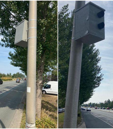 Auto's vol in remmen voor nep-flitspaal op Prins Mauritssingel Nijmegen: 'Het werkt wel'