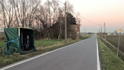 Gemeente onderzoekt of bushokje Engelsesteenweg 'vandalismebestendig' hersteld kan worden