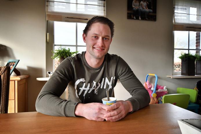 Marius Hardeman redde een vrouw die met haar busje in een vijver bij Nijverdal was gereden.