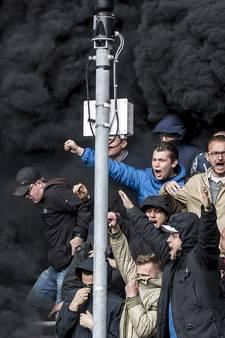 Topper tussen PSV en Ajax stilgelegd door zware rookpotten