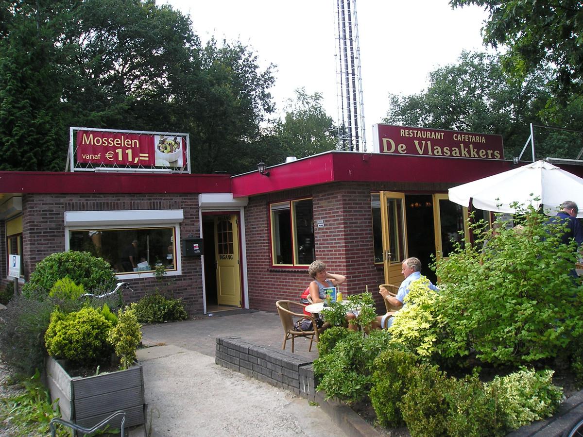 Restaurant De Vlasakkers aan de Barchman Wuytierslaan werd vorig jaar met de grond gelijkgemaakt. Op deze plek komt een deel van de nieuwe rondweg te liggen.