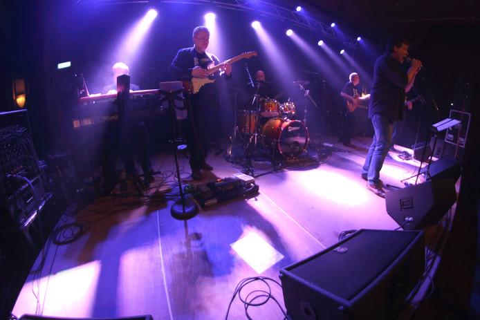 Een optreden tijdens Ons Dorp Live in Son.