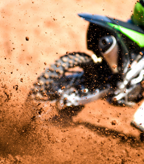 Zeeuwse derde plaatsen bij de vleet tijdens Indoormotorcross Goes