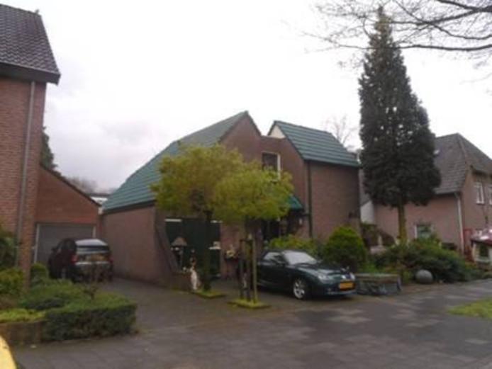 Het omstreden groene dak van Ossenaar Dirk Kurzweg.