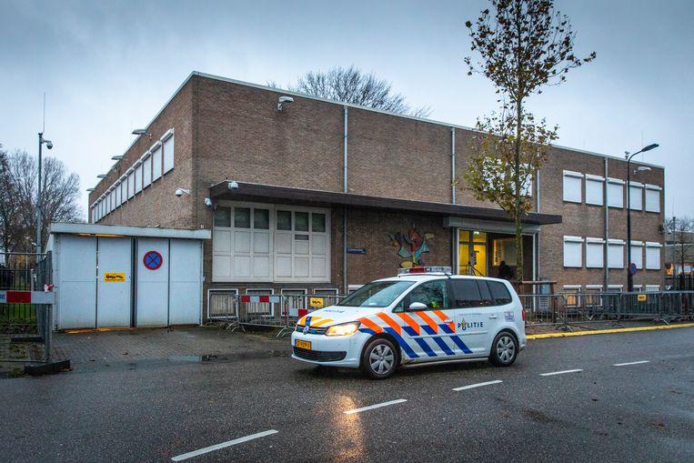In de gerechtsbunker in Amsterdam-Osdorp behandelt het gerechtshof woensdag de zaak in hoger beroep rond de moord op Reduan B., de broer van kroongetuige Nabil B.. Beeld Dingena Mol