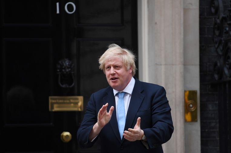 Ook de Britse premier Boris Johnson klapte mee. Hij liep zelf Covid-19 op en moest op intensieve verzorging verblijven.