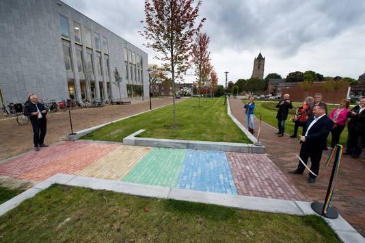 De officiële opening van de Regenboogloper in Tiel.