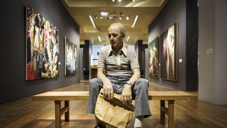 Het kunstwerk Man on a Bench van Duane Hanson Beeld anp