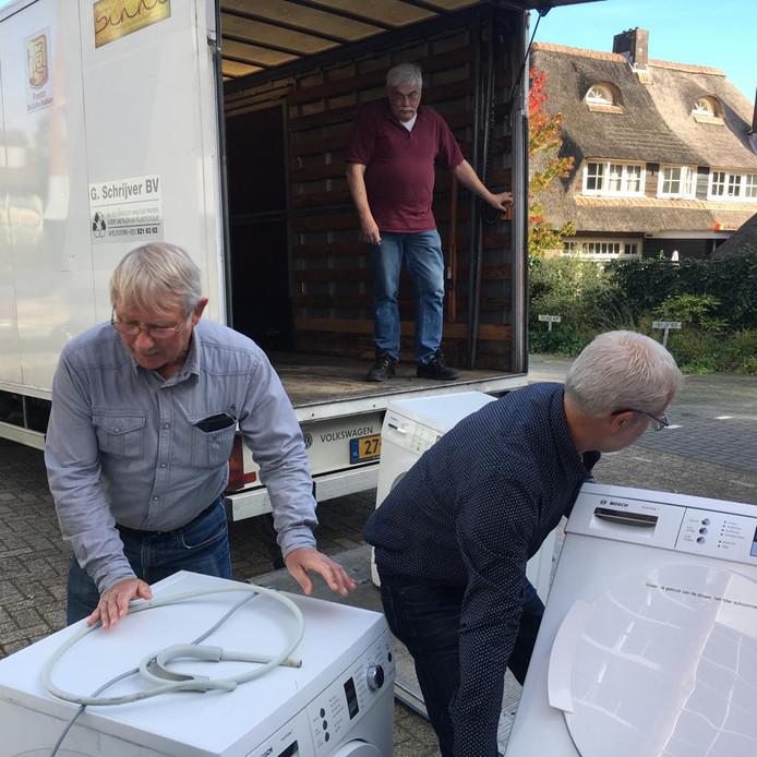 Wasmachines en -drogers uit de Robijn in Apeldoorn gaan naar de Voedselbank.