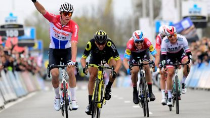 Indrukwekkende Van der Poel sprint naar winst in Dwars door Vlaanderen, Benoot wordt vijfde