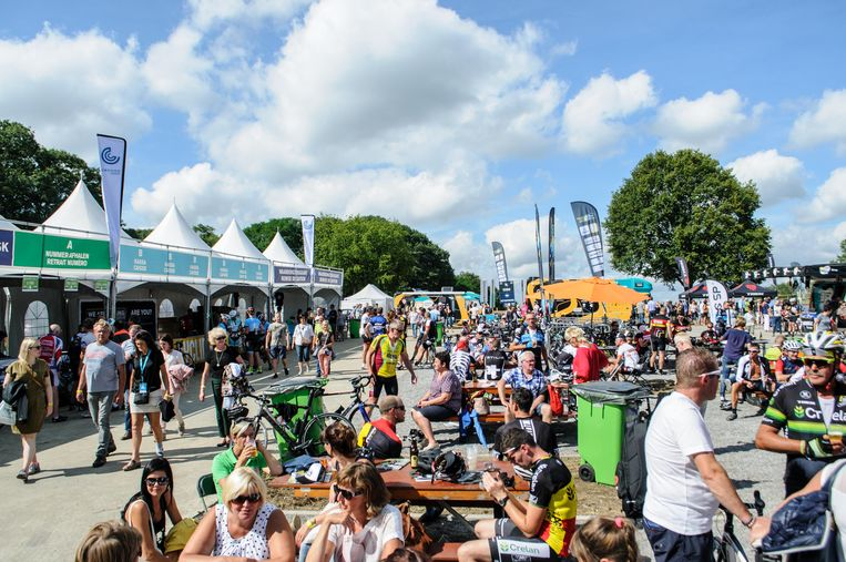 Zowel toeschouwers als fietsers, er was aardig wat opkomst voor de eerste Sven Nys Classic.