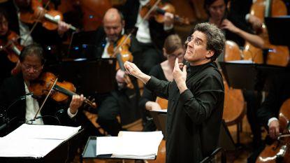 """Dirigent-componist Dirk Brossé viert 40 jaar op het podium: """"Ik wil doorgaan tot mijn laatste adem"""""""