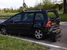 Vrachtwagen botst op personenauto in Eindhoven