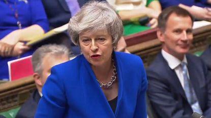 """LIVE. Theresa May vecht voor haar politiek overleven: """"Steun mij om de brexit vooruit te laten gaan"""""""