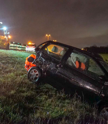 Vrouw gewond na ongeval op A67 bij knooppunt De Hogt