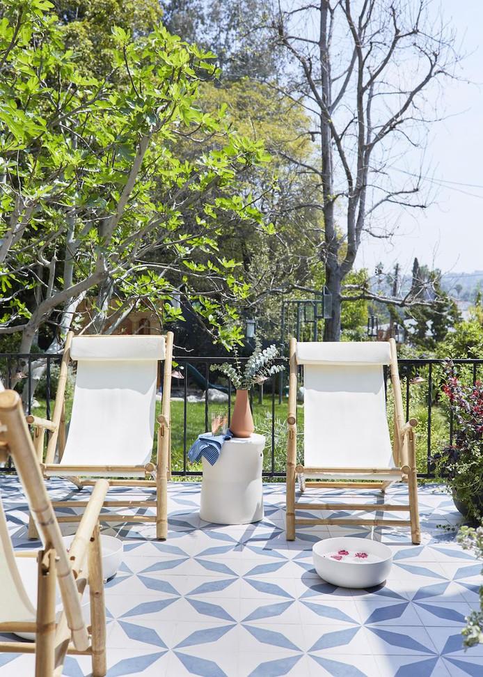 Witte Tegels Tuin.Met Deze Tegels Krijgt Je Tuin Een Mediterraanse Sfeer