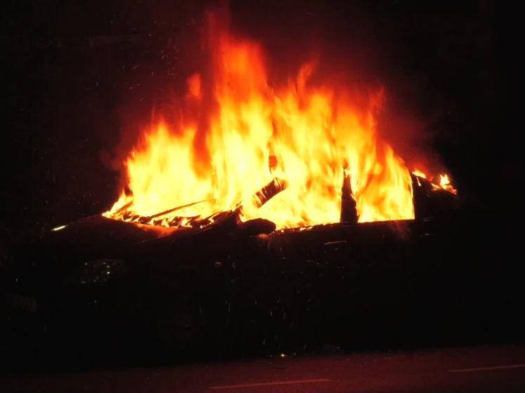Kort na elkaar twee autobranden op dezelfde kruising in Velp