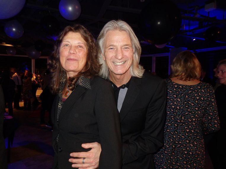Clara Kroes (Gemeente Amsterdam) en Arjan Boonacker (This could be your music label). Je kunt het bijna dansen noemen Beeld Schuim