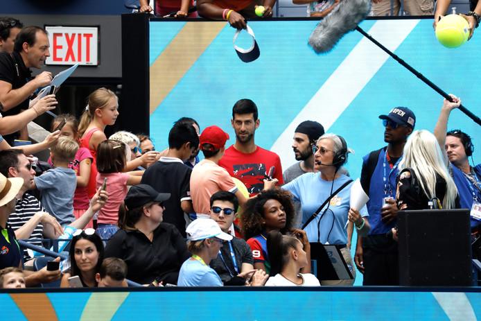 Novak Djokovic begroet de fans op Flushing Meadows.